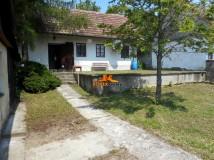 REZERVOVANÉ! Predaj rodinný dom-chalúpka s väščím pozemkom Osuské