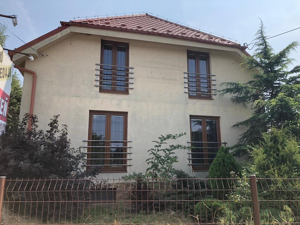 Rodinný dom vhodný na podnikanie, kompletná rekonštrukcia, Čereňany